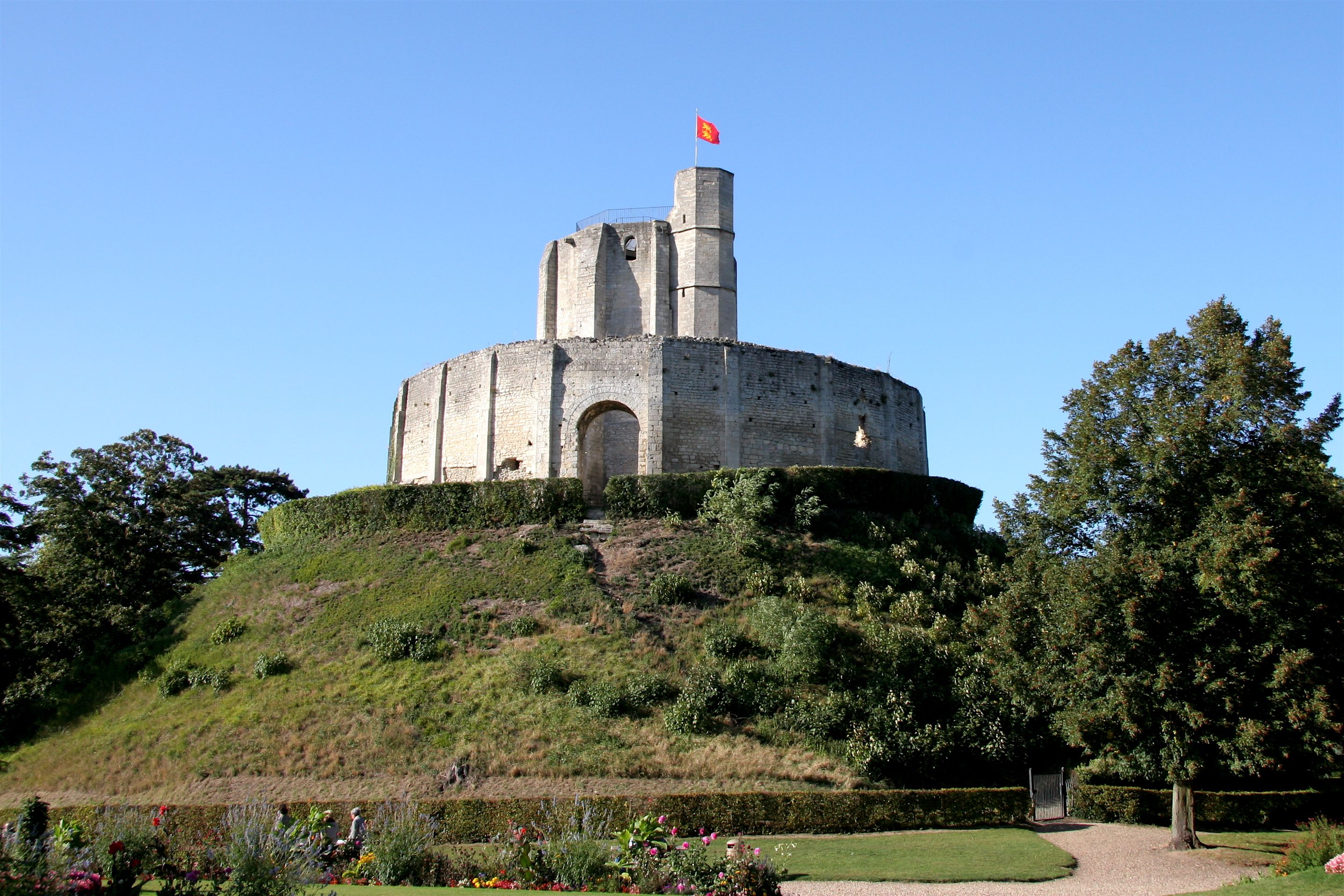 Du Pareil Au Meme Gisors the stone shell keep and chemise on top of the motte at