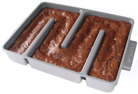 Amazon.com: Baker's Edge Nonstick Edge Brownie Pan: Kitchen & Dining