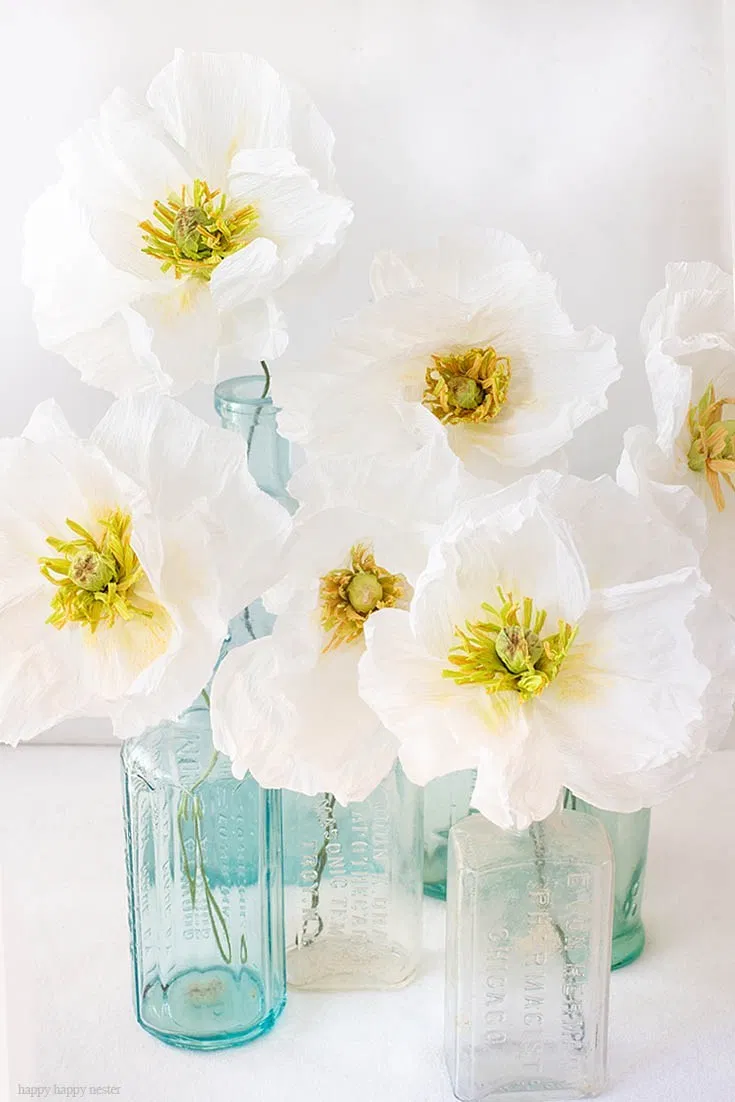 How to Make Crepe Paper Flowers #paperflowerswedding How to Make Crepe Paper Flowers is an easy tutorial that will walk you through step by step. These Icelandic Poppies are beautiful as a bouquet in a vase or as a wedding bouquet. They are easy paper flowers to make. #easypaperflowers