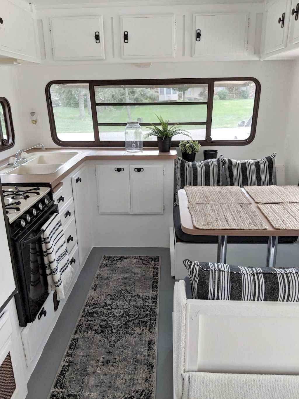 50 Easy And Cheap Rv Camper Organization Travel Trailers Ideas En 2020 Campeur Vintage Remodel Caravane Interieur Remorque