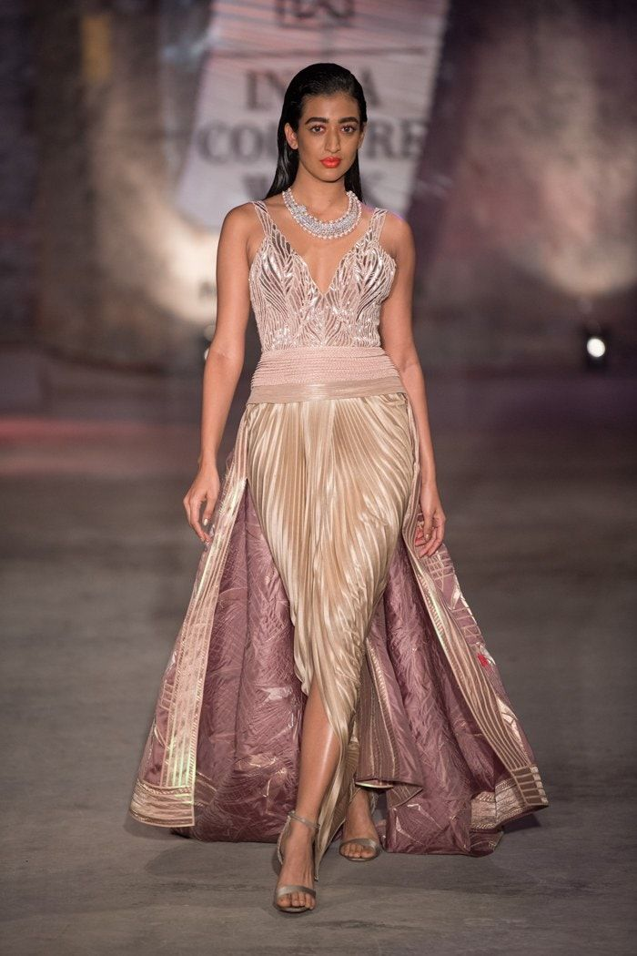 Amit Aggarwal At India Couture Week 2019 In 2020 Couture Week Fashion Indian Fashion