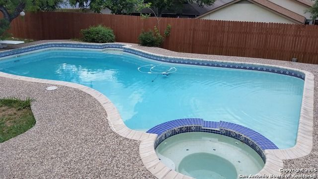 529 Crestway Dr Windcrest Tx 78239 With Images Windcrest Pool Outdoor Decor