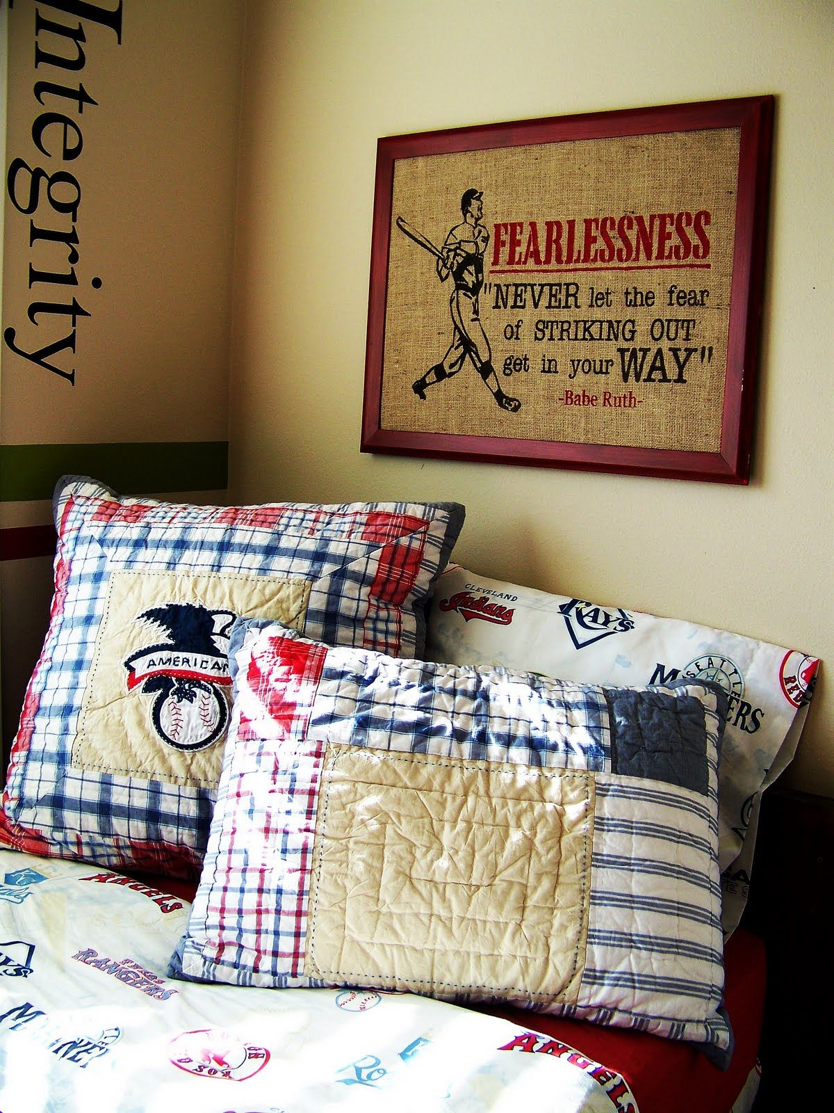 Baseball room boy room ideas pinterest room for Baseball bedroom ideas