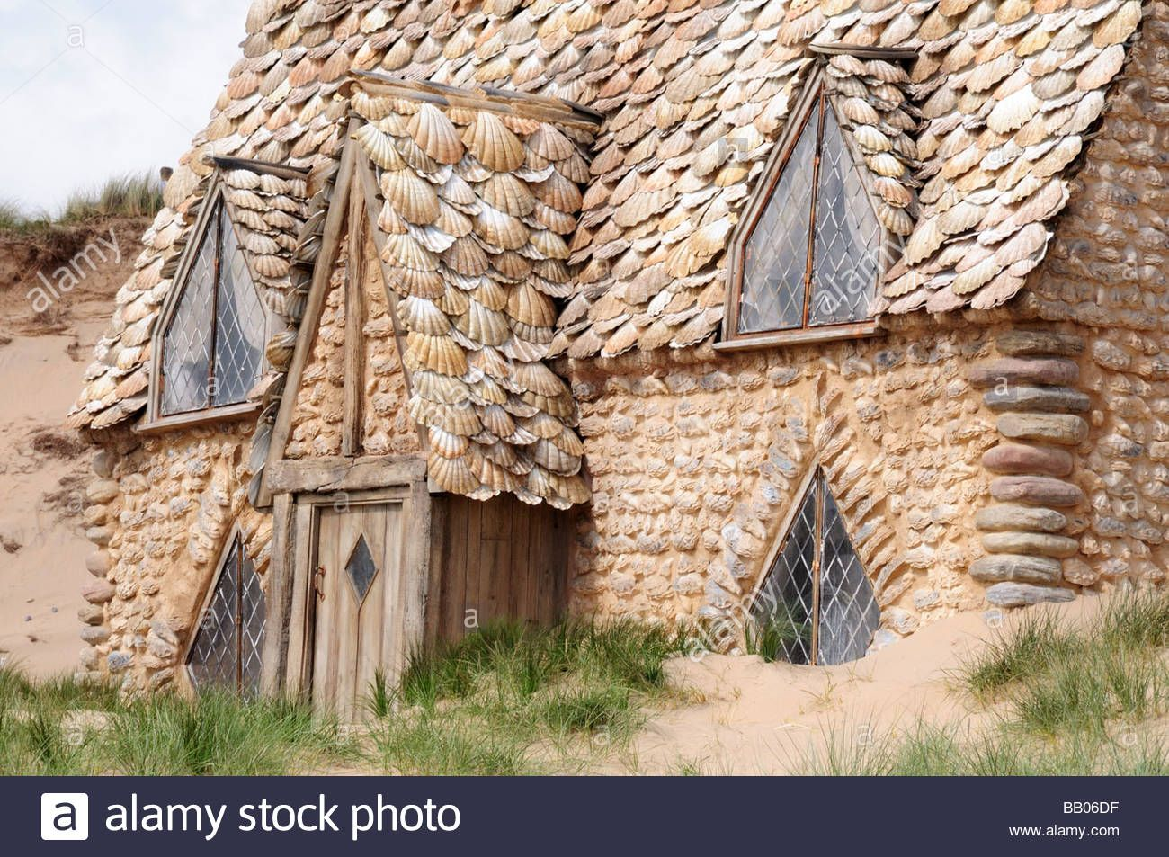 Close Up Of Shell Cottage Set For Harry Potter Film Deathly Hallows Stock Photo Royalty Free Image 23976667 Alamy Cottage Harry Potter Film Shell House