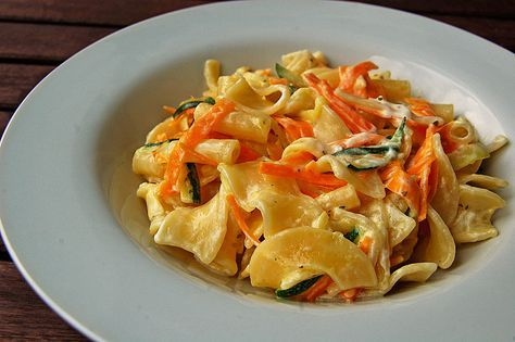 Photo of Nudeln mit Zucchini und Möhren und Frischkäse von Carnetin | Chefkoch