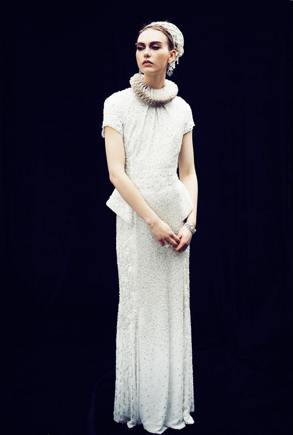Tudor ruffs, tulle & medieval splendour: dressing like a modern-day style sovereign - Fashionising.com