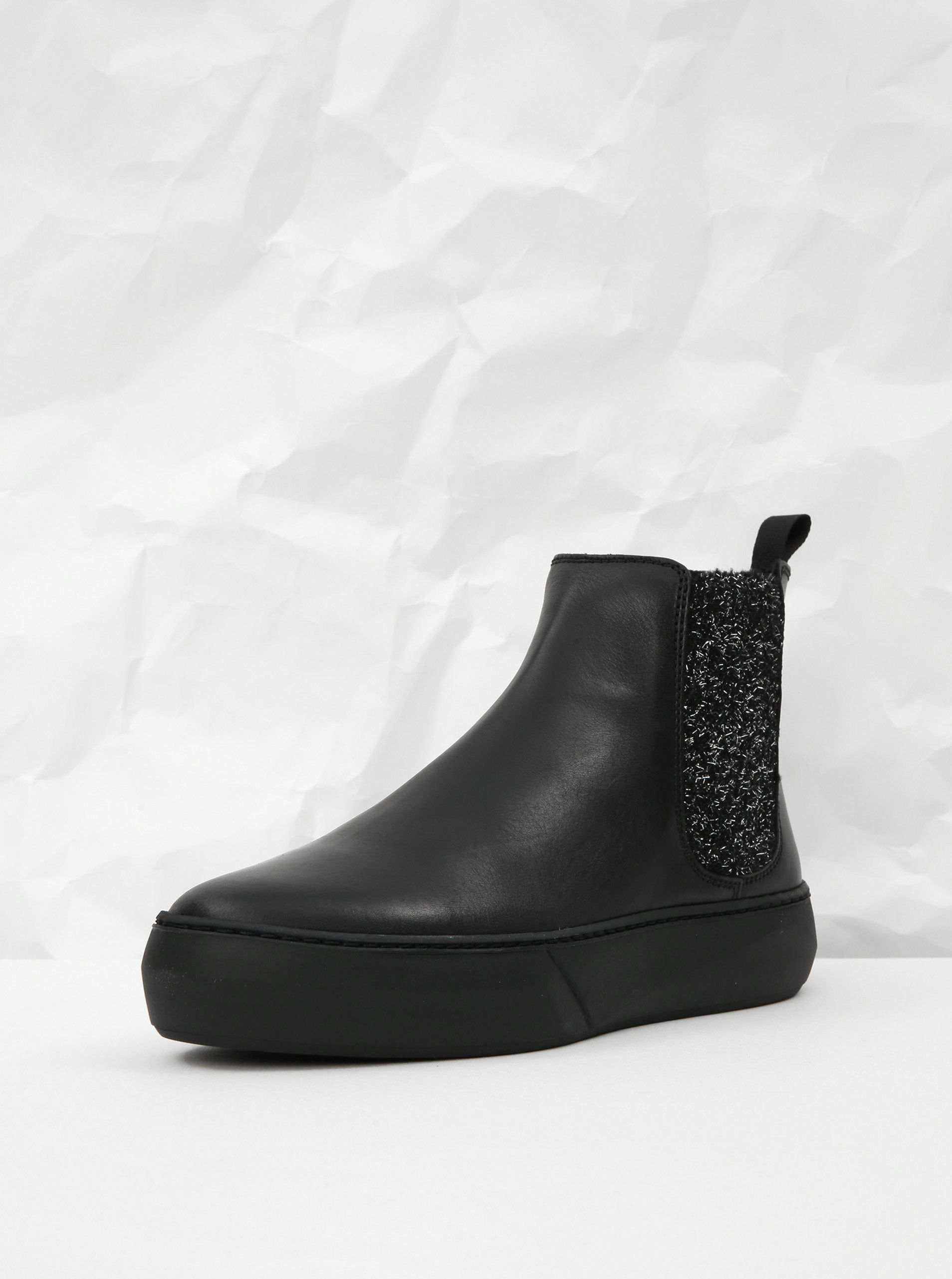 ce0ac70b27b7 Čierne kožené chelsea topánky na platforme s trblietavým detailom Frau  Ferrer