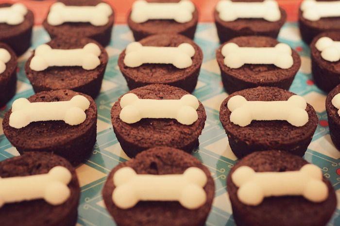 Classic Puppy themed birthday party with So Many Great Ideas via Kara's Party Ideas! Full of decorating tips, party decor, recipes, cupcakes...