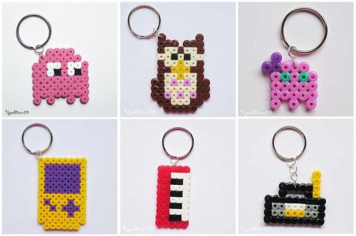 Billede fra http://www.ohmysocute.com/wp-content/uploads/2009/05/hama-beads-keyrings.jpg.