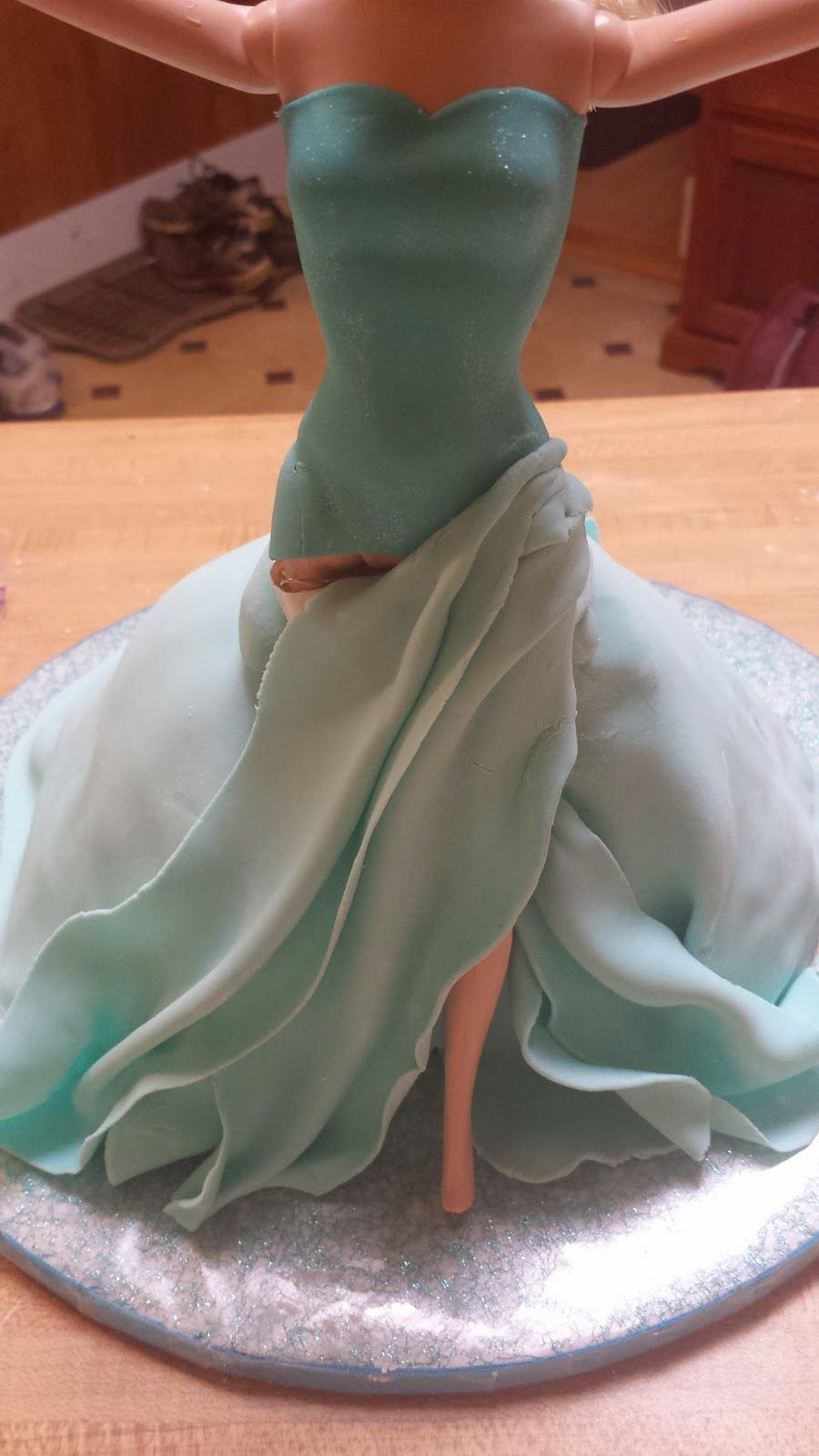 Frozen Doll Cake On Pinterest Frozen Barbie Cake Goofy