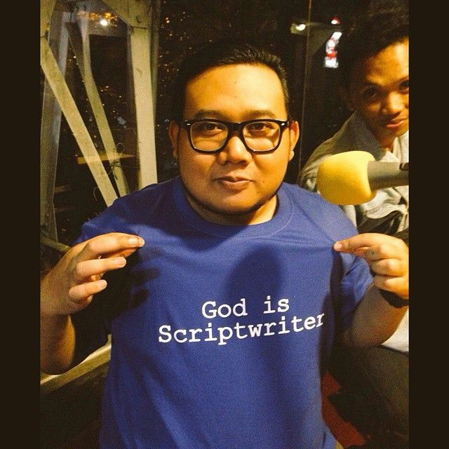 "#kaosin #supportlocalheroes @yusrilfahriza ""God is a Scriptiwriter"""