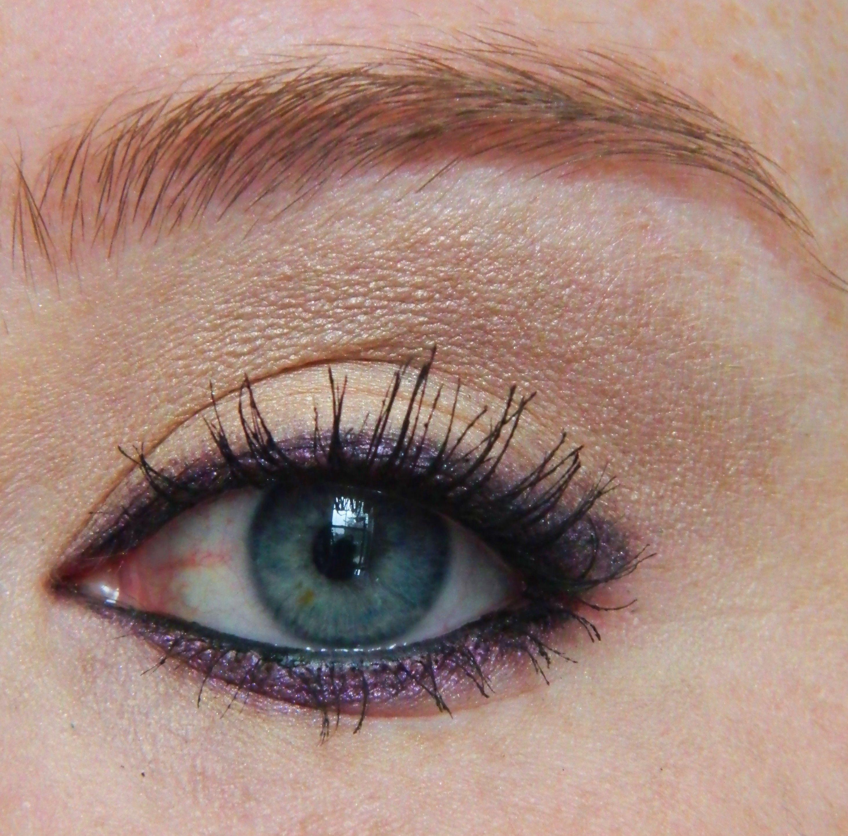 Pretty purple eyes Hair makeup, Skin makeup, Makeup