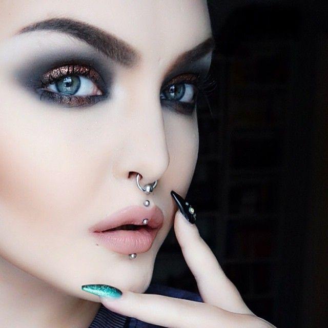 by Rose Shock / Smoked / Bronze makeup