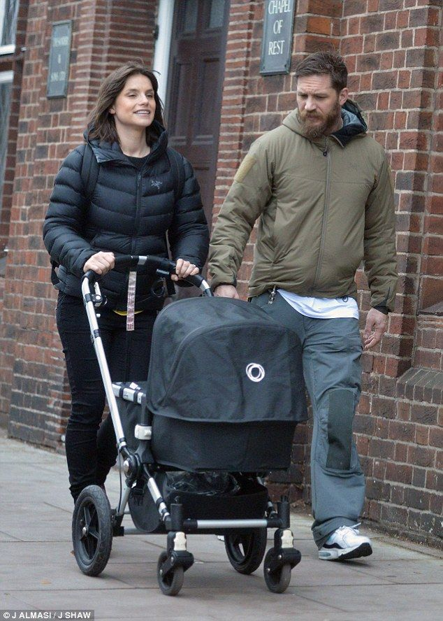 d6750dda7 PICTURE EXCLUSIVE: Tom Hardy spotted enjoying daddy duties | Tom ...