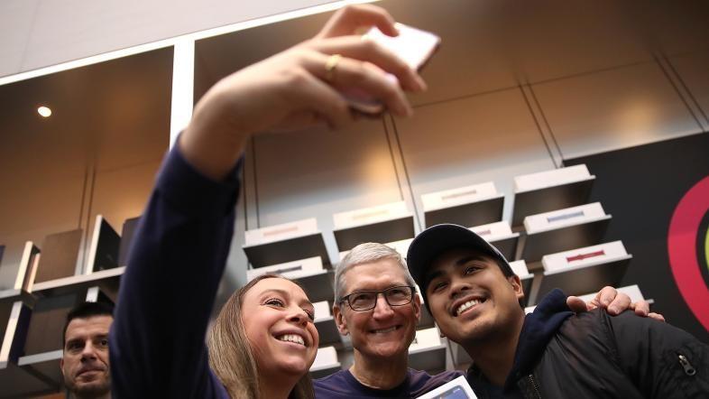 Lækkede dokumenter afslører Nike og Apples brug af skattely   Nyheder   DR