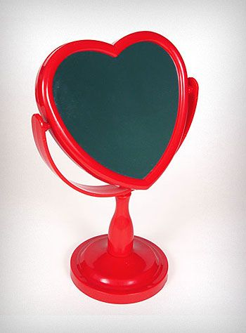 Heart Shaped Mirror. Would like it in soft pink.