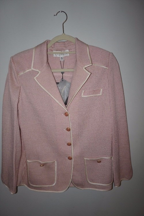174.14$  Buy here - http://viwvu.justgood.pw/vig/item.php?t=otur0x5261 - NWT ST JOHN COLLECTION Pink & White Pinstripe Summer Weight Knit Jacket Sz 10