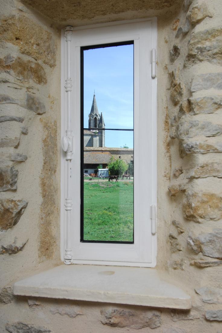 Bord De Fenetre Interieur rénovation gard : ancienne magnanerie transformée en chambre