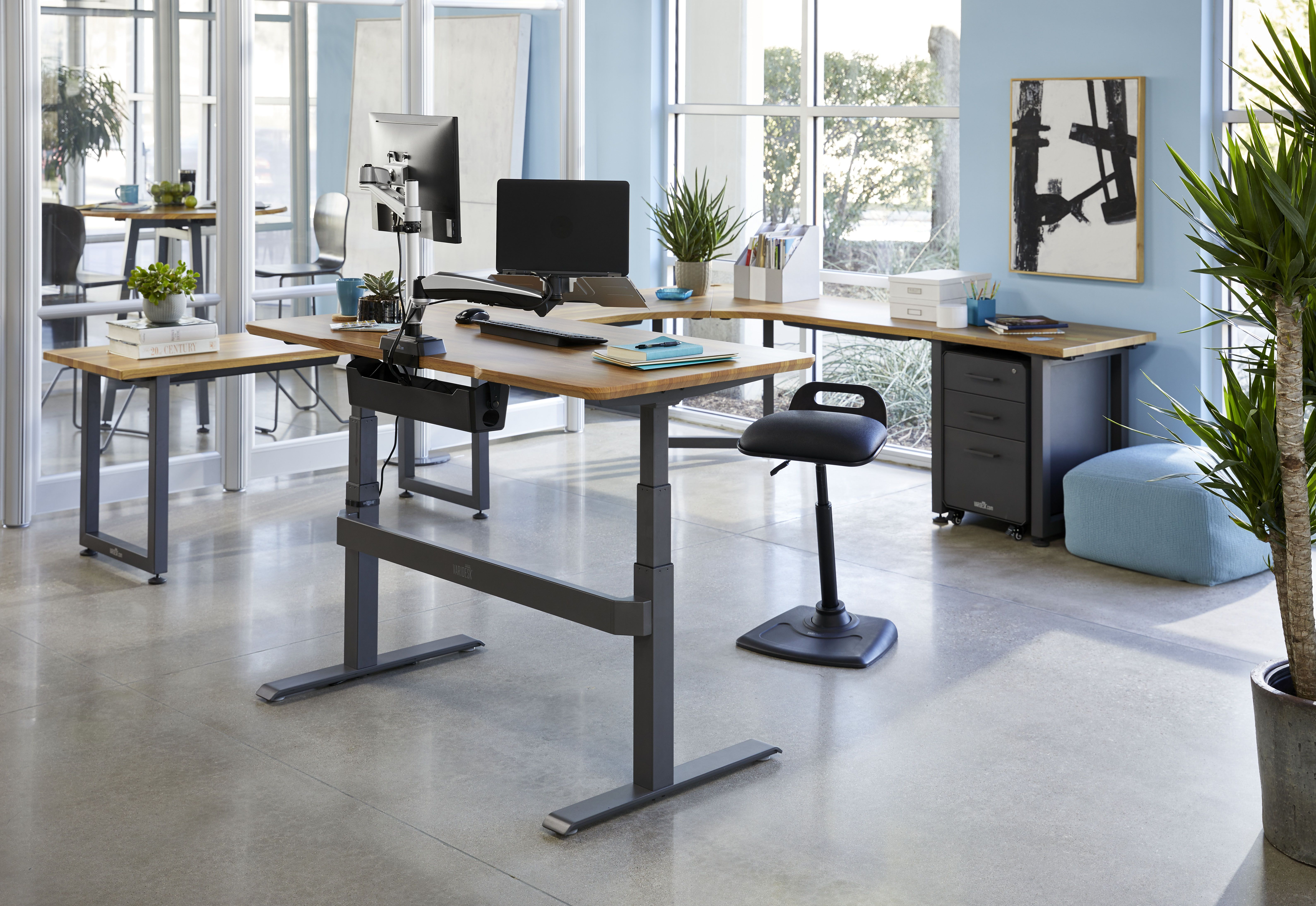 Flexible Office Design Standing Desk Inspiration Desk Inspiration Redesign Furniture Workspace Inspiration