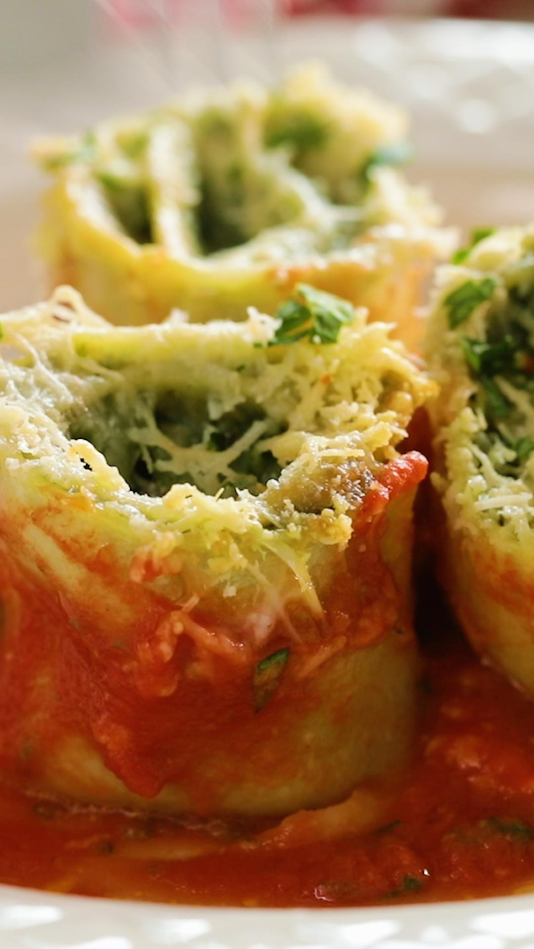 Cheesy Mushroom & Spinach Rotolo