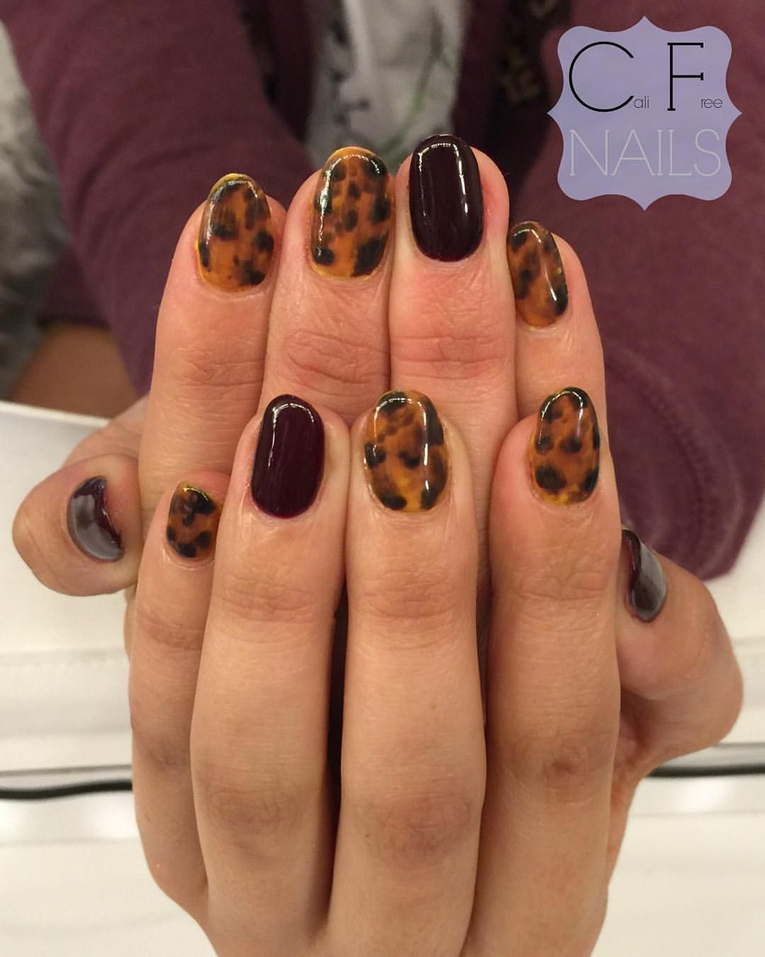 Tortoise Shell Nails For Kelseydeuel Love The Ideas She Comes With These Were Very Fun To Create Nailsoftheday Gelnails Nailswag Nailart