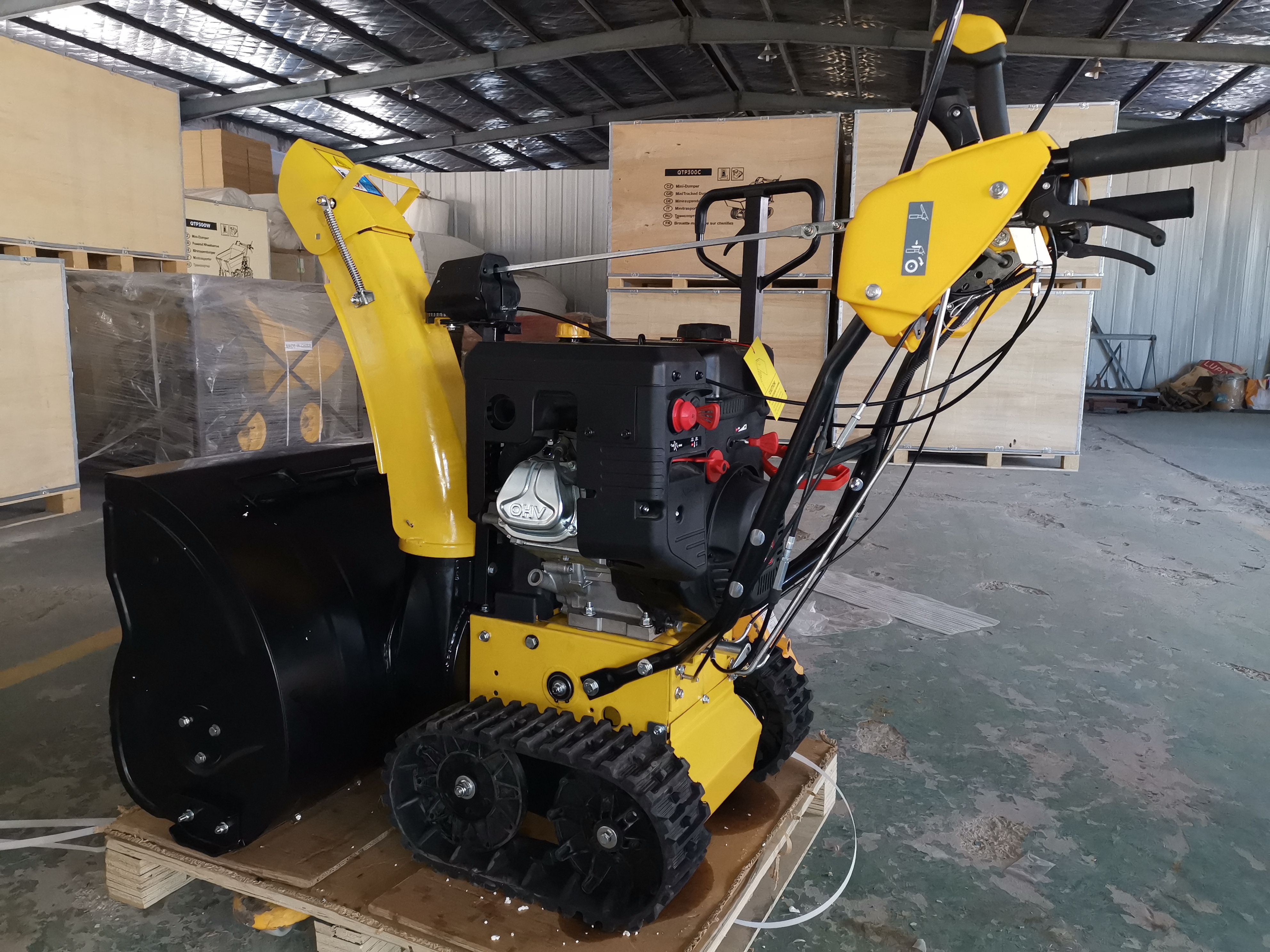 Two Stage Snow Blowers Are Best For Clearing Snow On Gravel Since The Auger Doesn T Touch The Ground But The Machines Are Relatively Heavy And Expen