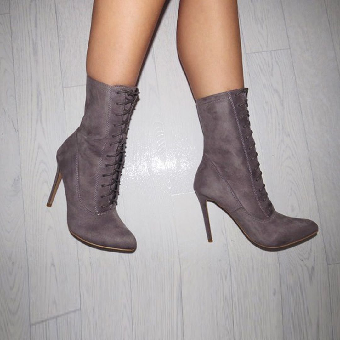 XY LONDON - SAMANTHA RUCHED KNEE HIGH BOOTS @xylondonsquad