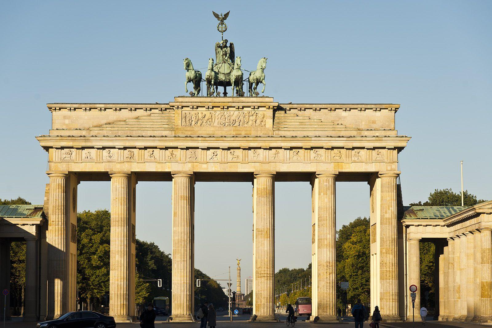 Brandenburg Gate Berlin Germany Historic Buildings Wonders Of The World Brandenburg Gate