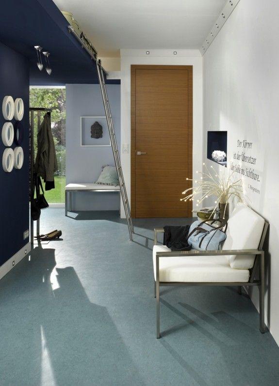 der bodenbelag wird aufgeklebt das verlegen sollte man aber profis berlassen. Black Bedroom Furniture Sets. Home Design Ideas