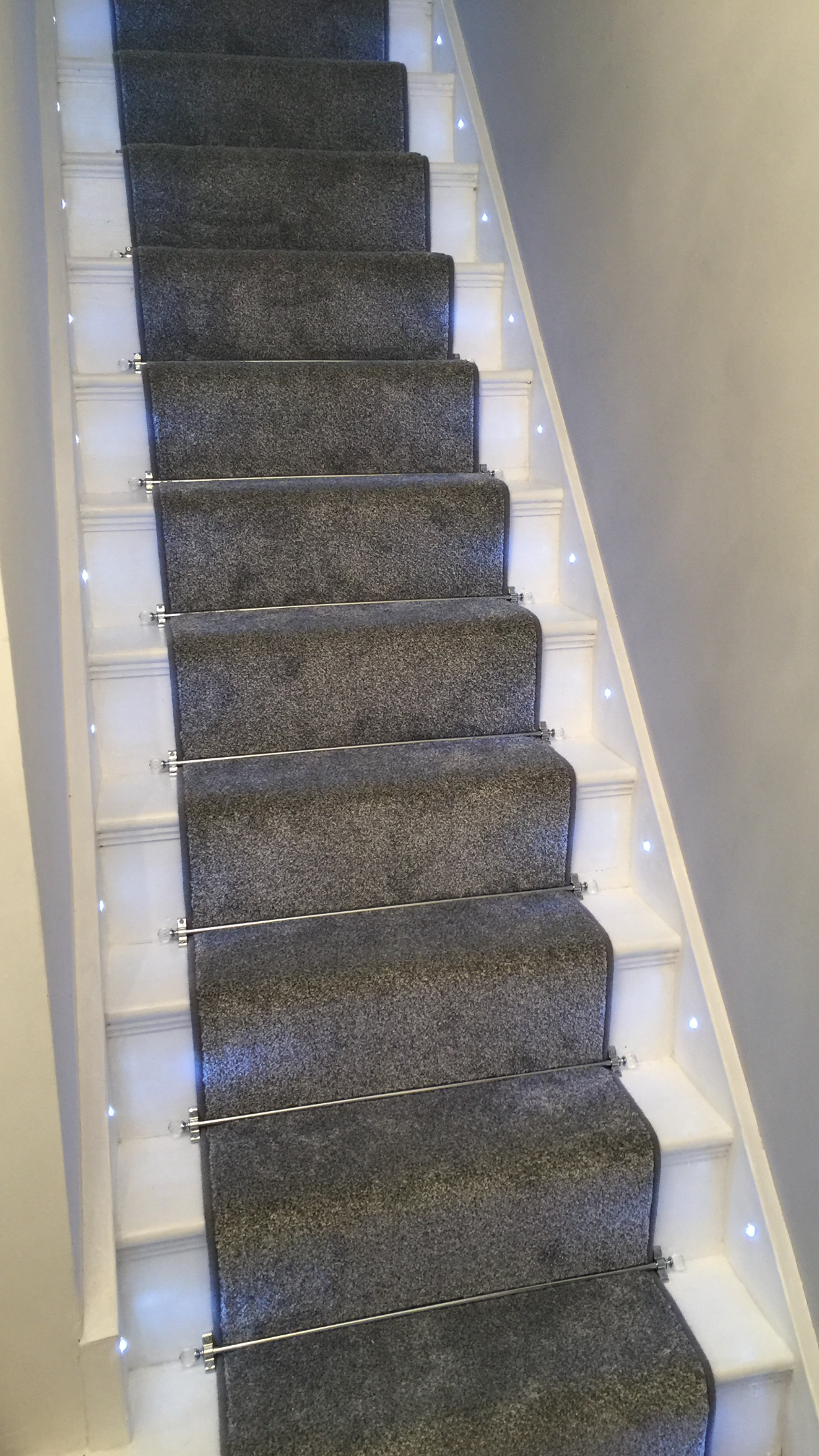 Lighting Basement Washroom Stairs: Grey Carpet Runner, Stair Rods, Stair Lights