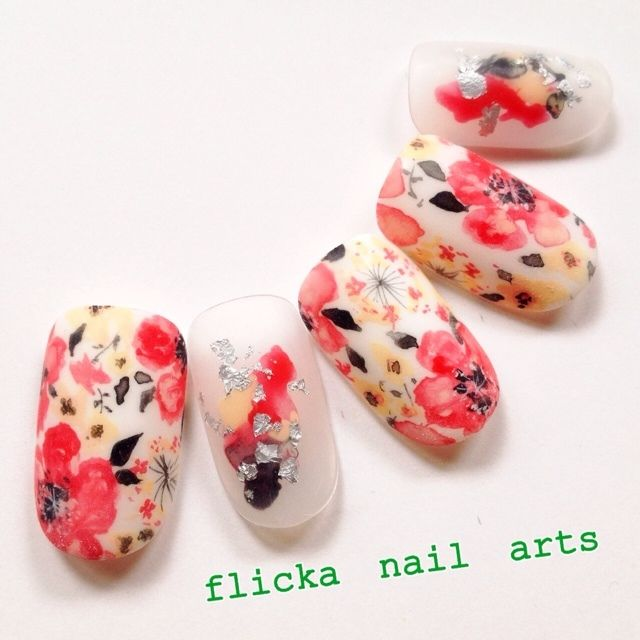 flicka_nailさんの夏,ソフトジェル,フラワー,赤,ハンドネイル♪[521274]|ネイルブック