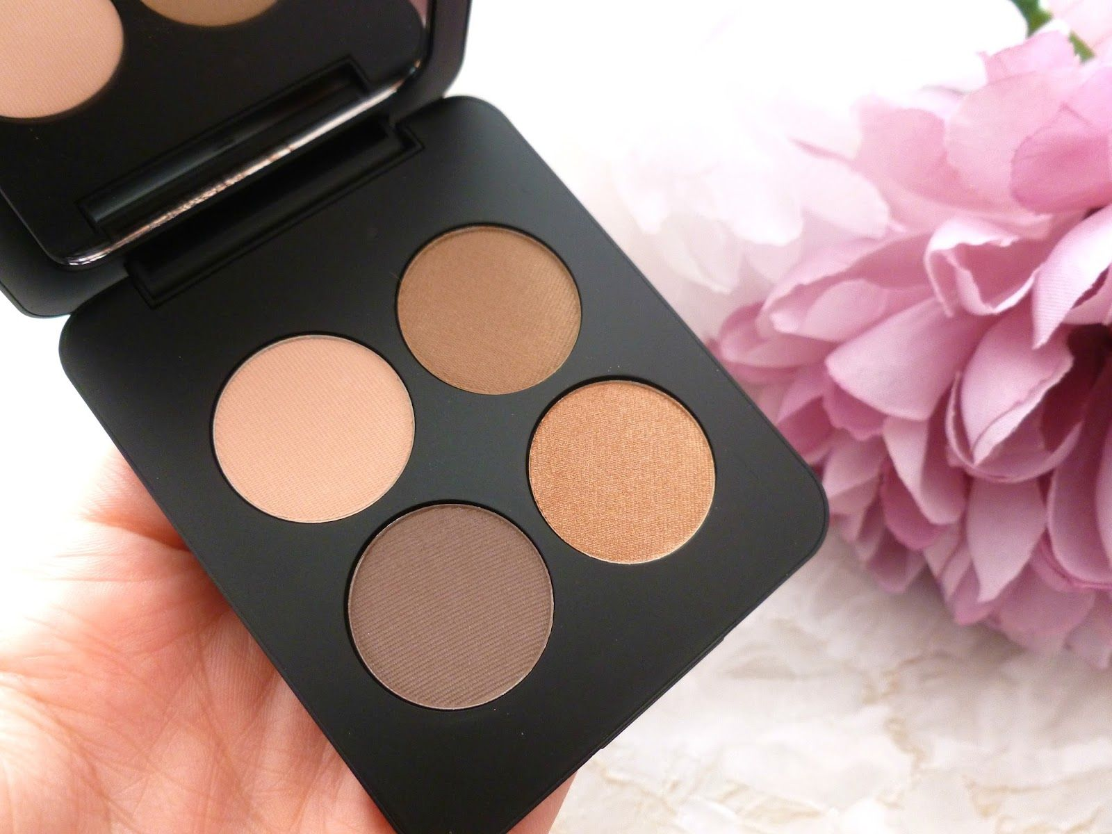 Mammaful Zo: Beauty, Fashion, Lifestyle: Youngblood Mineral Cosmetics Pressed Mineral Eyeshadow Quad In Timeless