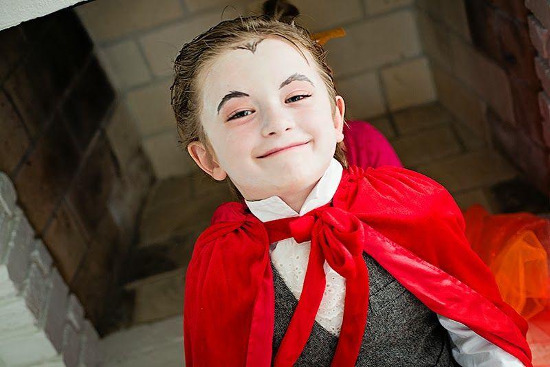 the vampire Halloween Pinterest Foxes and Holidays halloween - scary homemade halloween costume ideas