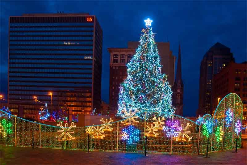 Cleveland Christmas.Chris Zimmer Downtown Cleveland Christmas Holiday Lights