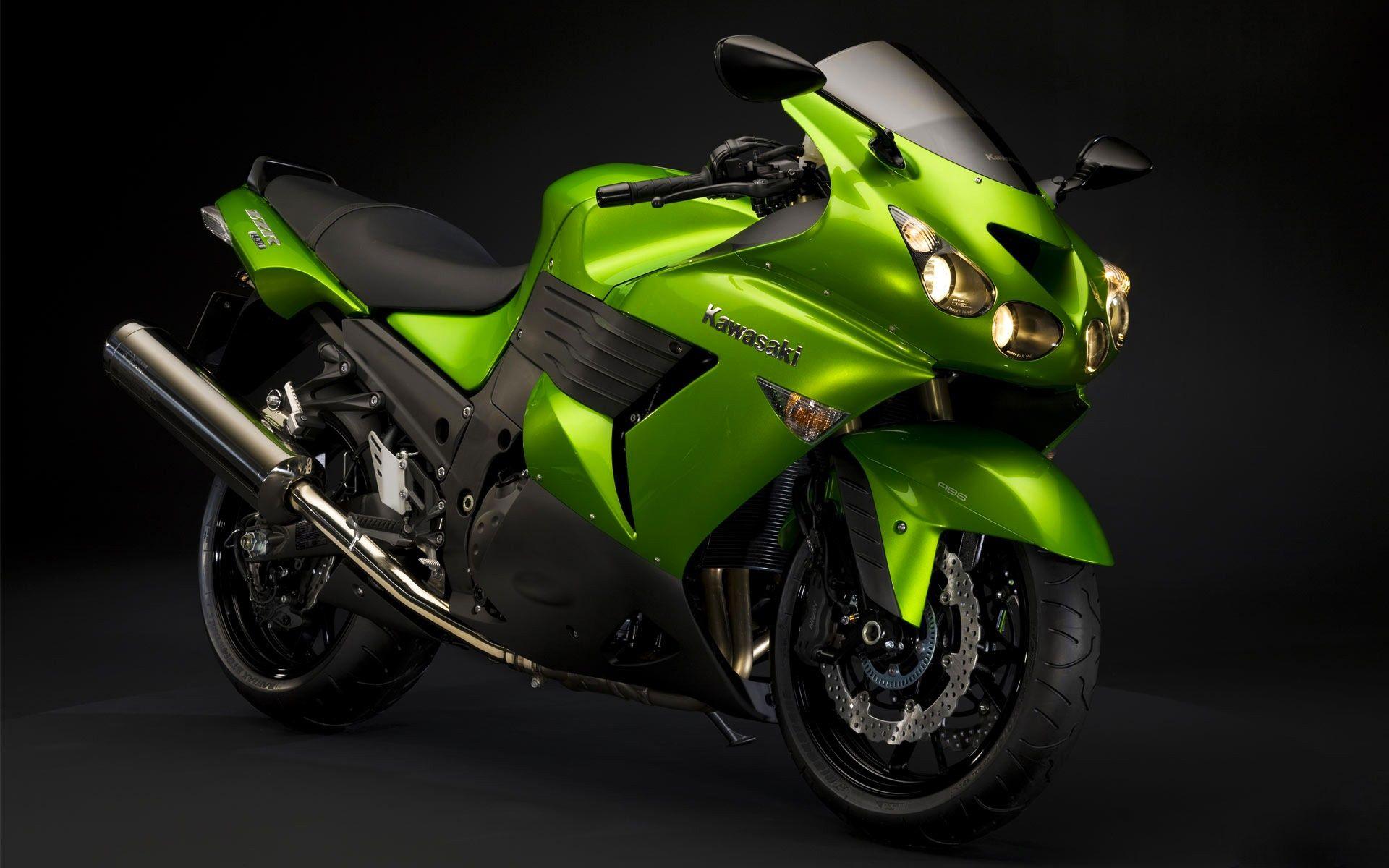 The Green Arrow S Ride Motorcycle Wallpaper Widescreen Wallpaper Super Bikes