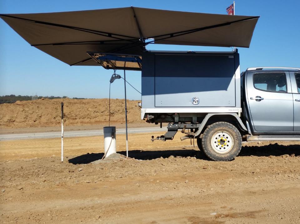 Clevershade Vehicle Awning Outback Shade 960x Car Awnings Awning Vehicles
