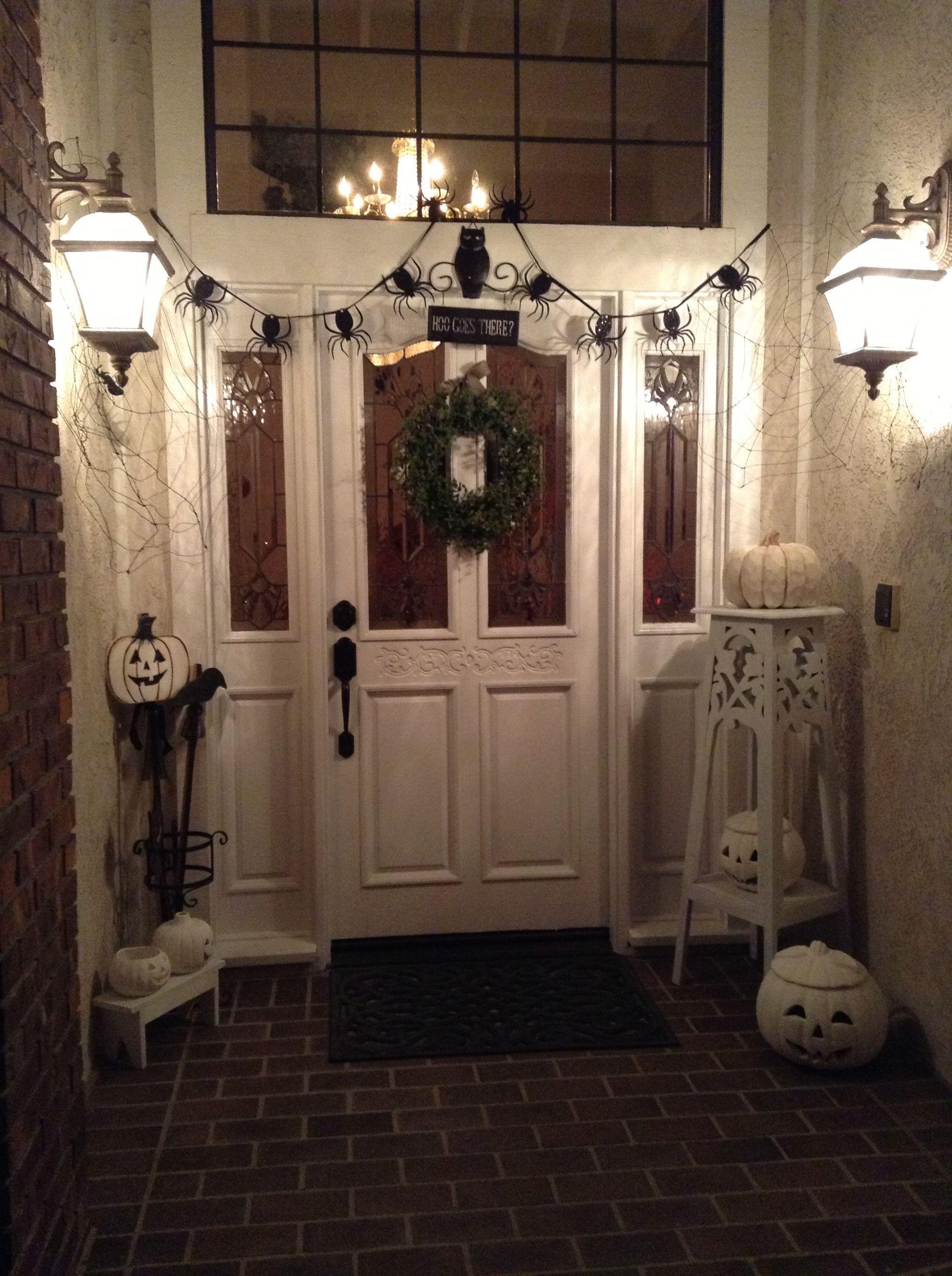 Black And White Front Door Step Display It Feels So Clean White Front Door Front Door Steps Front Door