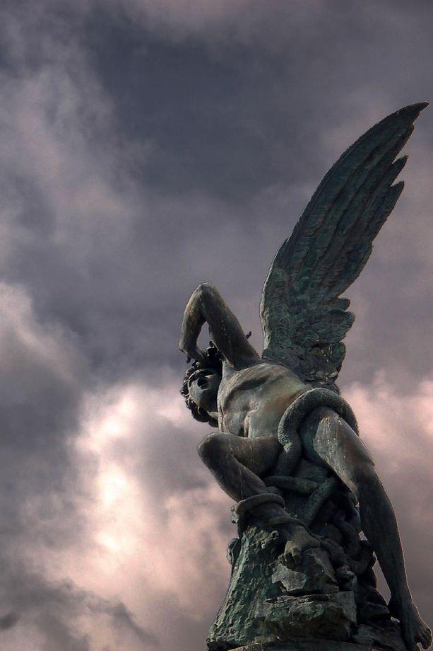 Fallen Angel by Marco Masip ~ Parque de El Retiro (Madrid)