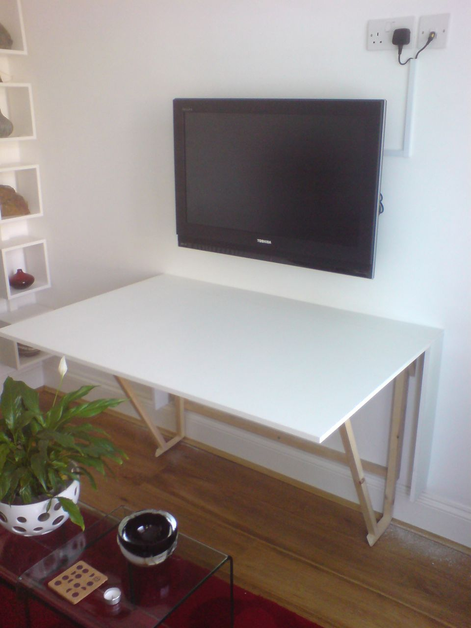 Fold- Craft Desk With Built-in Painted Ruler In