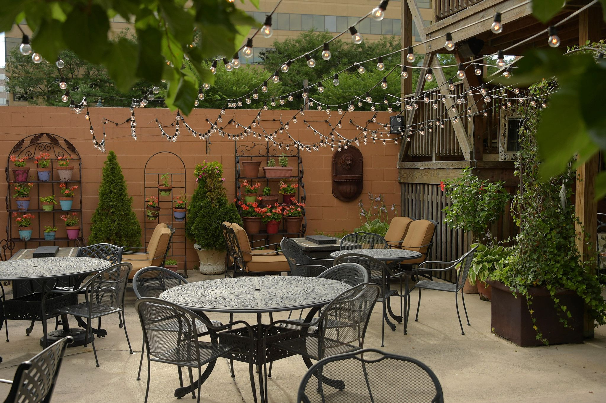 Our Favorite Outdoor Drinking And Dining Spots In And Around Baltimore Outdoor Eating Spaces Outdoor Restaurant Outdoor Dining