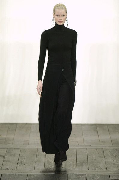 Ralph Lauren at New York Fashion Week Fall 2004 - StyleBistro