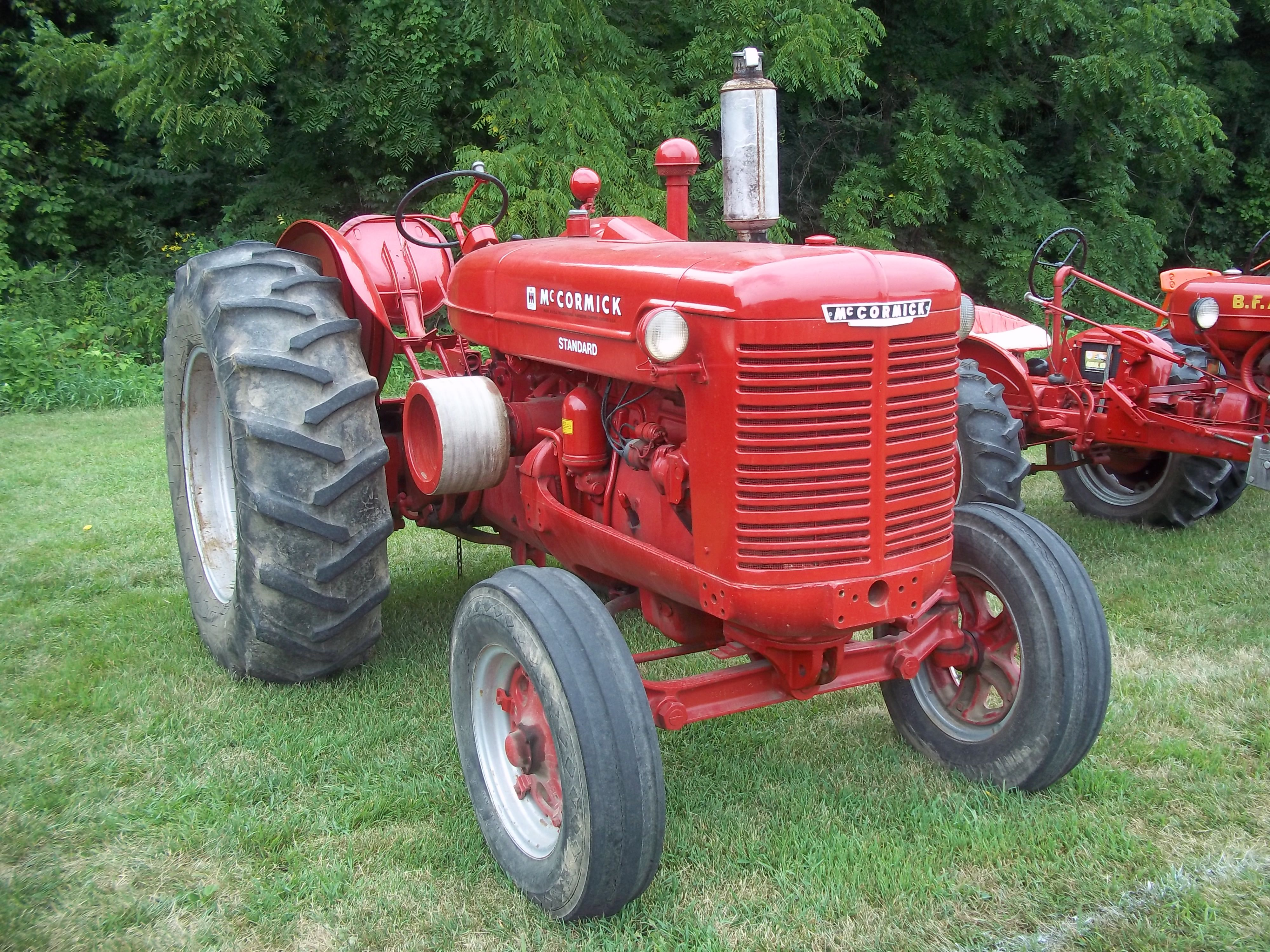 Nice Looking Mccormick W 9 Gas Standard Tractor International