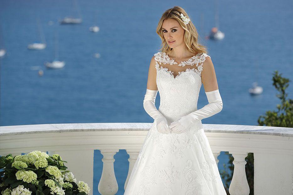 Wunderbar Verlocken Brautkleider Preise Bilder - Brautkleider Ideen ...