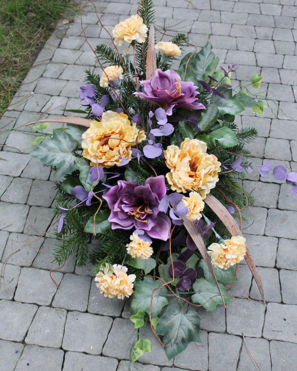 Kompozycje Florystyczne Na Wszystkich Swietych Szukaj W Google Funeral Flower Arrangements Funeral Floral Flower Arrangements