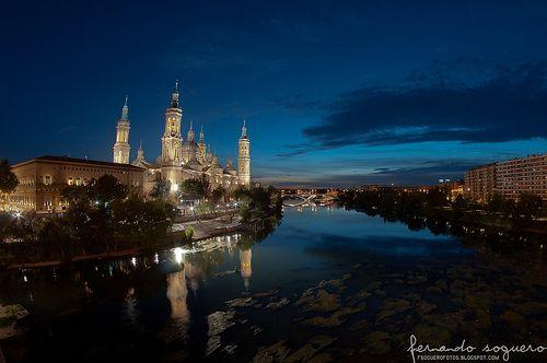 Pilar y río Ebro de noche