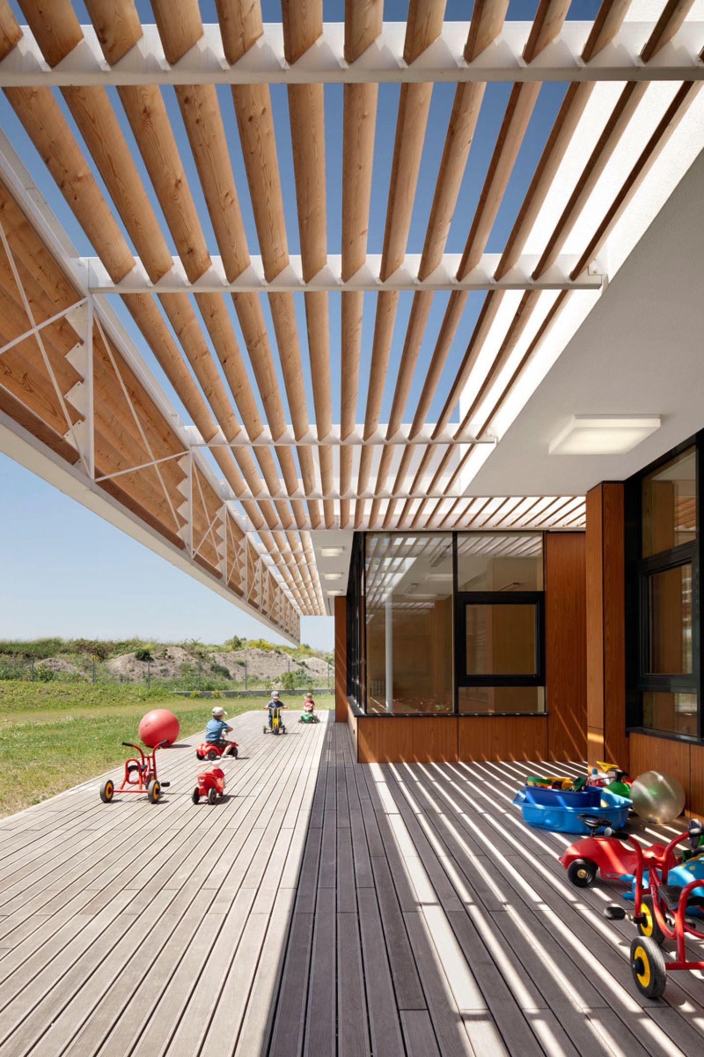 SOLID architecture · Kindergarten Neufeld an der Leitha · Divisare
