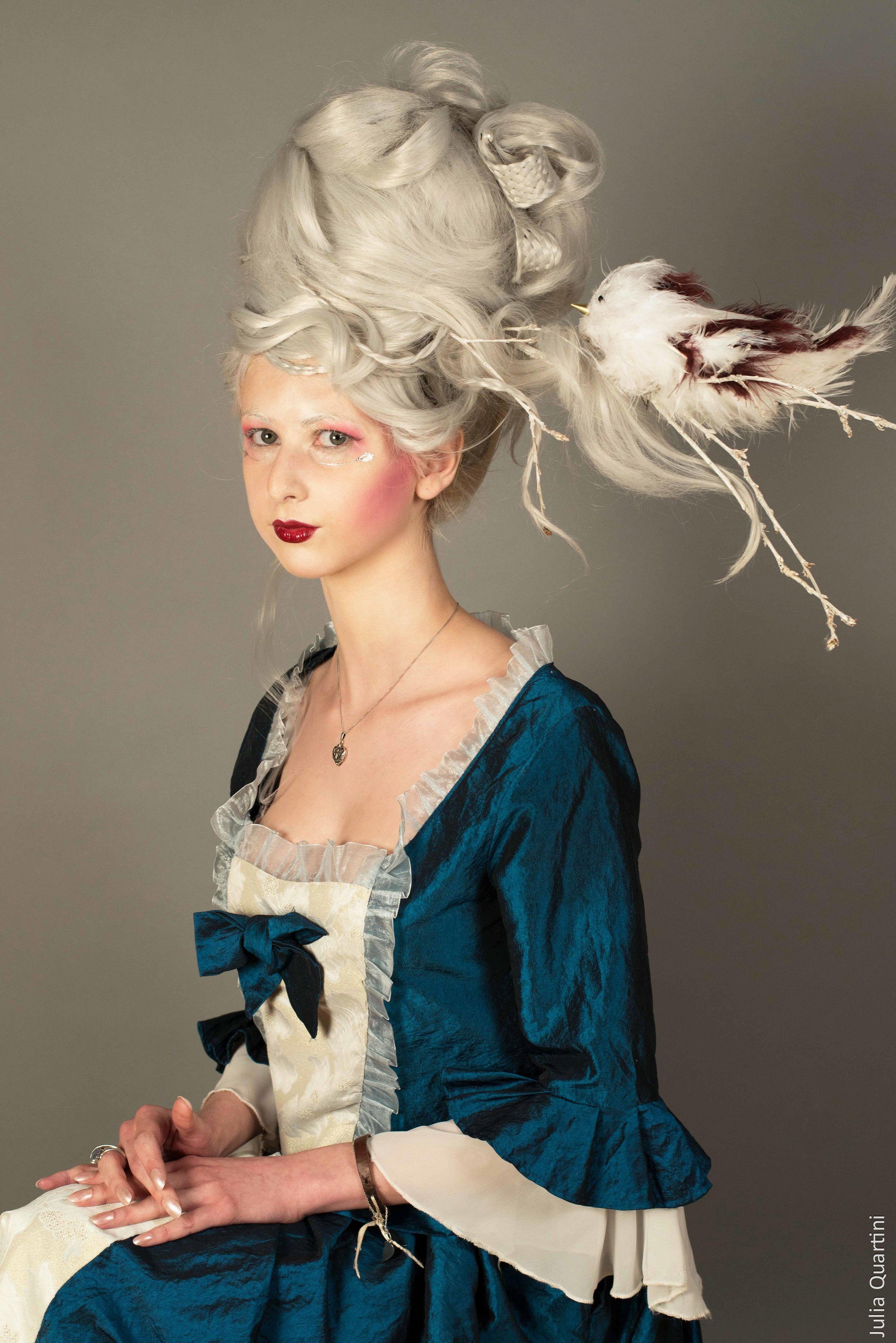 Maquillage et coiffure artistique de la Reine des neiges