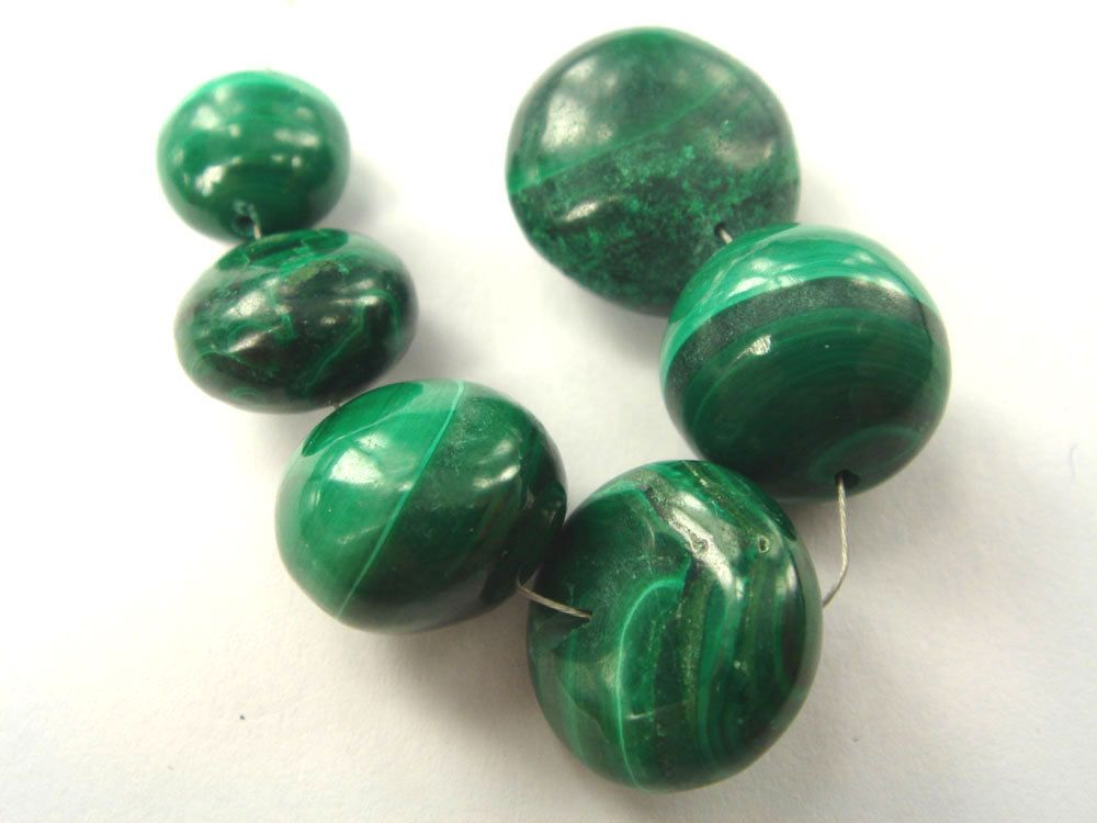 Malachite Smooth Disc (Quality B) / 11 to 16 mm / 7.5 cm / 120.60 carats / 6 pieces / ST-2893 by beadsofgemstone on Etsy