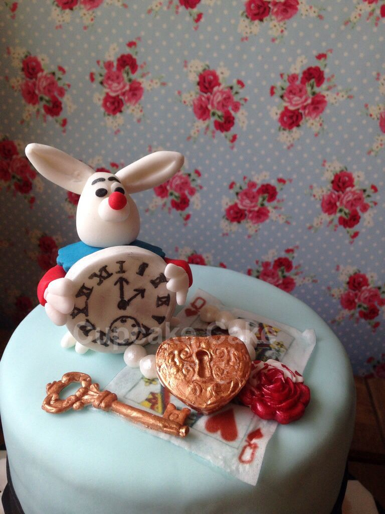 My Alice in Wonderland themed cake