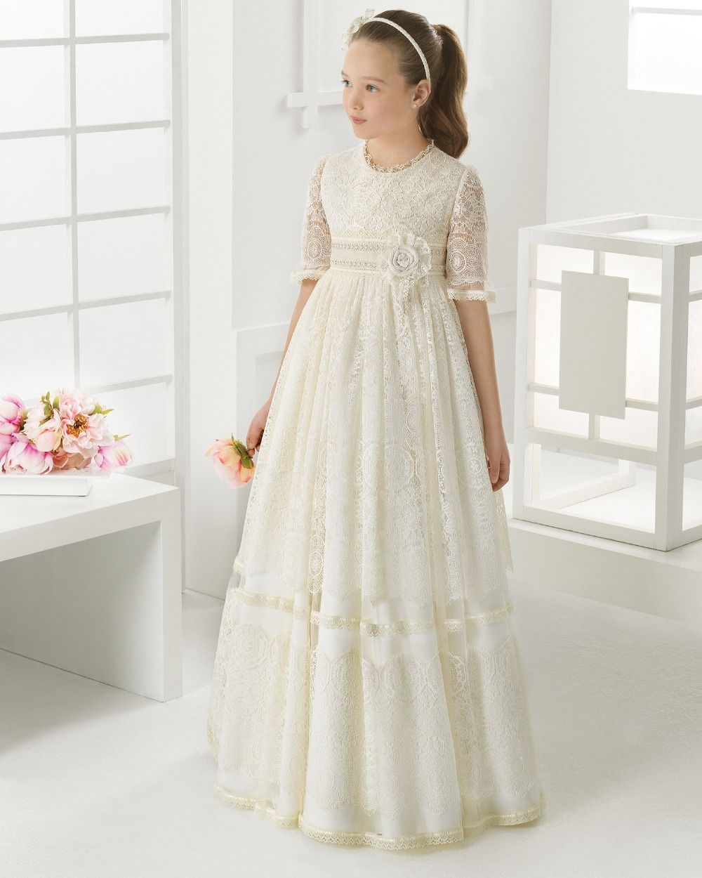 2016 First Communion Dresses for Girls Lace Empire Half Sleeve